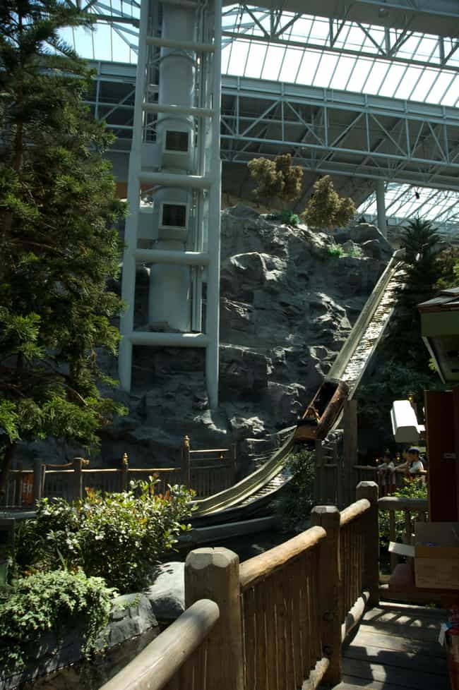 Paul Bunyan's Log Chute ... is listed (or ranked) 2 on the list The Best Rides at Nickelodeon Universe