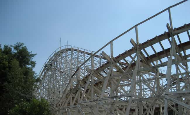 Raging Wolf Bobs is listed (or ranked) 3 on the list The Best Rides at Geauga Lake
