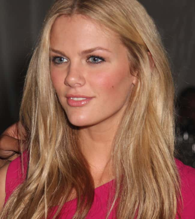 Brooklyn Decker is listed (or ranked) 17 on the list The Most Captivating Celebrity Eyes (Women)