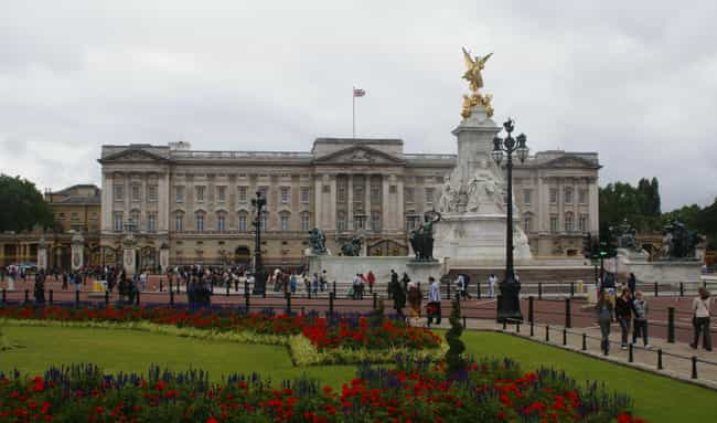 Buckingham Palace is listed (or ranked) 2 on the list Places That Are Surprisingly Easy to Sneak Into