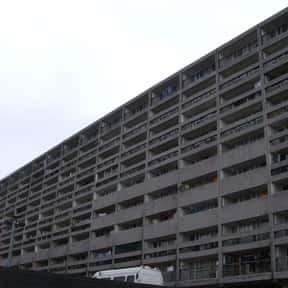 Cables Wynd House is listed (or ranked) 24 on the list Famous Brutalist Architecture Buildings
