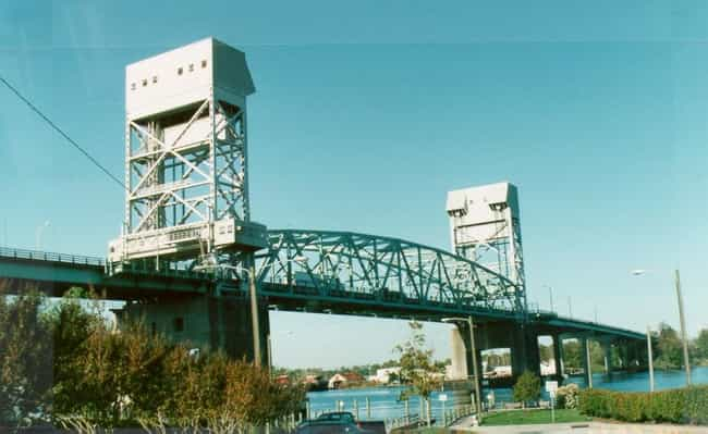 Cape Fear Memorial Bridg... is listed (or ranked) 2 on the list Bridges in North Carolina