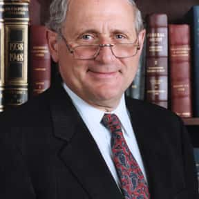 Carl Levin is listed (or ranked) 25 on the list Famous Lawyers from the United States