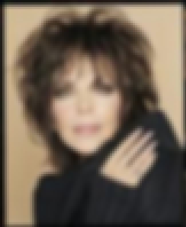 Carole Bayer Sager is listed (or ranked) 6 on the list Celebrities Who Wear Dolce & Gabbana