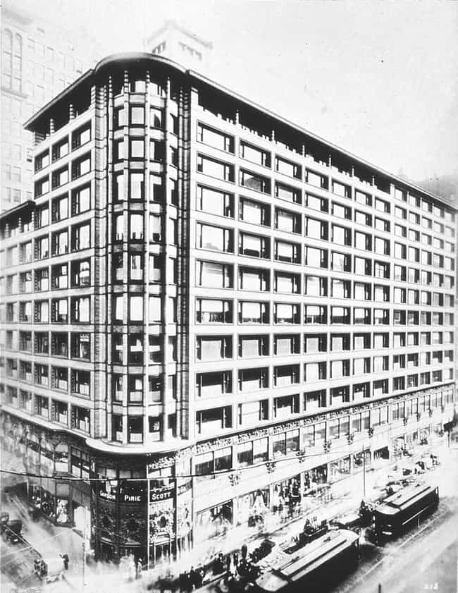 Carson, Pirie, Scott and... is listed (or ranked) 1 on the list List of Daniel Burnham Architecture