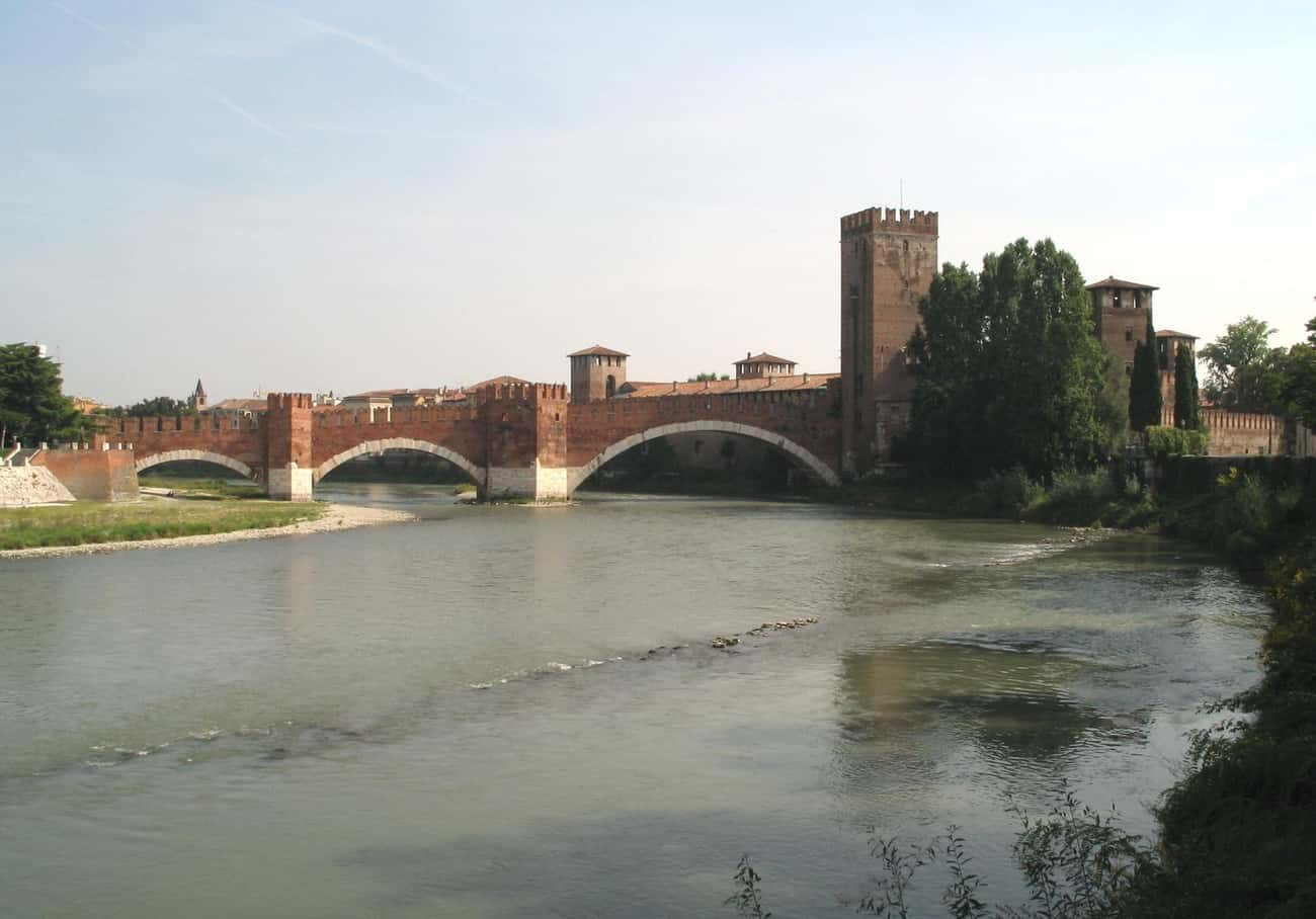 Castelvecchio Bridge is listed (or ranked) 2 on the list Bridges in Italy