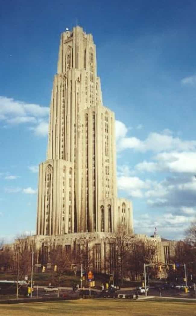 Cathedral of Learning is listed (or ranked) 4 on the list Famous Neo-gothic architecture buildings