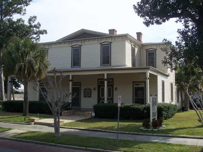 Charles William Jones House is listed (or ranked) 2 on the list List of Famous Pensacola Buildings & Structures