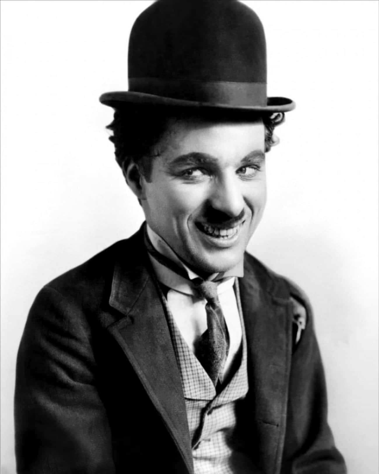 Charlie Chaplin is listed (or ranked) 4 on the list Male Celebrities Who Are 5'4""