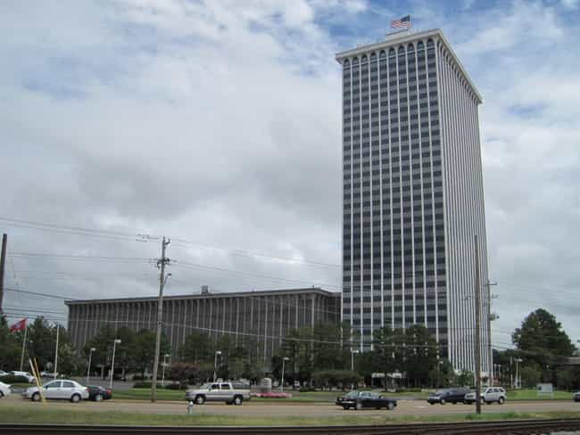 Clark Tower is listed (or ranked) 3 on the list List of Famous Memphis Buildings & Structures