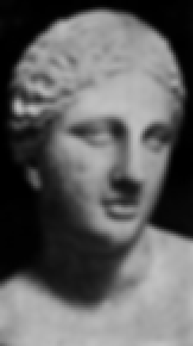 Colonna Venus is listed (or ranked) 4 on the list Famous Venus Art