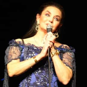 Crystal Gayle is listed (or ranked) 25 on the list The Top Female Country Singers