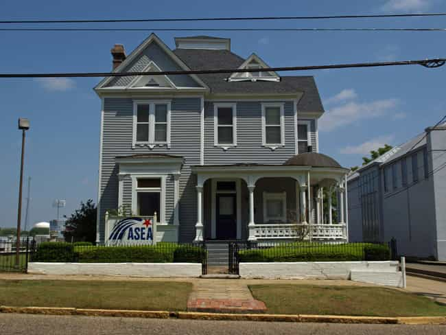 Cassimus House is listed (or ranked) 4 on the list List of Famous Montgomery Buildings & Structures