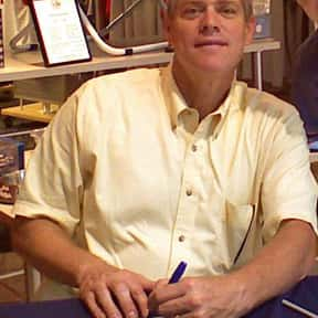 Dale Murphy is listed (or ranked) 21 on the list List of Famous Baseball Center Fielders