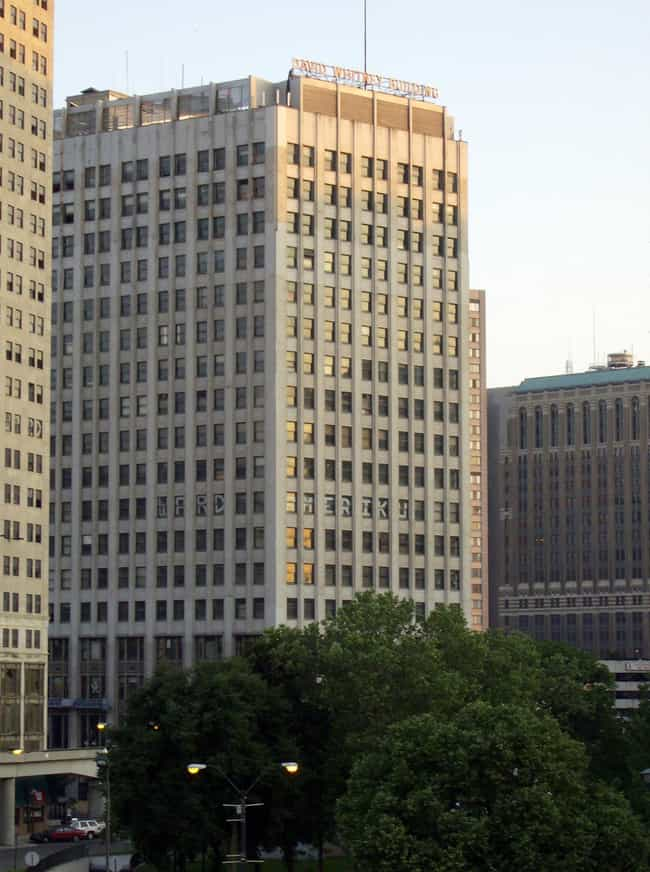 David Whitney Building ... is listed (or ranked) 4 on the list List of Daniel Burnham Architecture