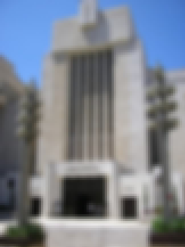 Great Synagogue, Jerusalem is listed (or ranked) 3 on the list List of Famous Jerusalem Buildings & Structures