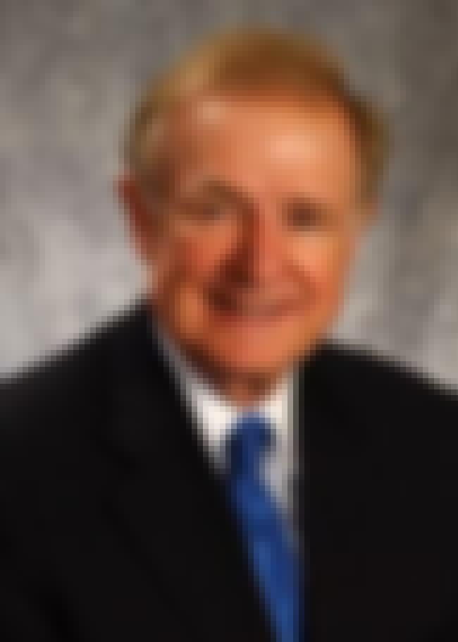 Donald W. Riegle, Jr. is listed (or ranked) 2 on the list Famous Charles S. Mott Community College Alumni