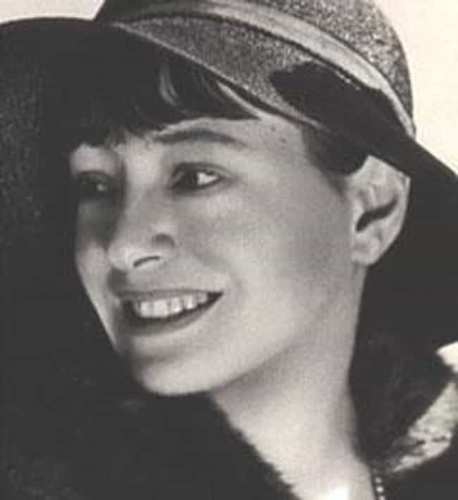 Dorothy Parker is listed (or ranked) 1 on the list Famous Female Critics