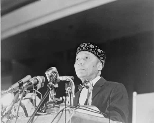 Elijah Muhammad is listed (or ranked) 4 on the list List of Famous Imams