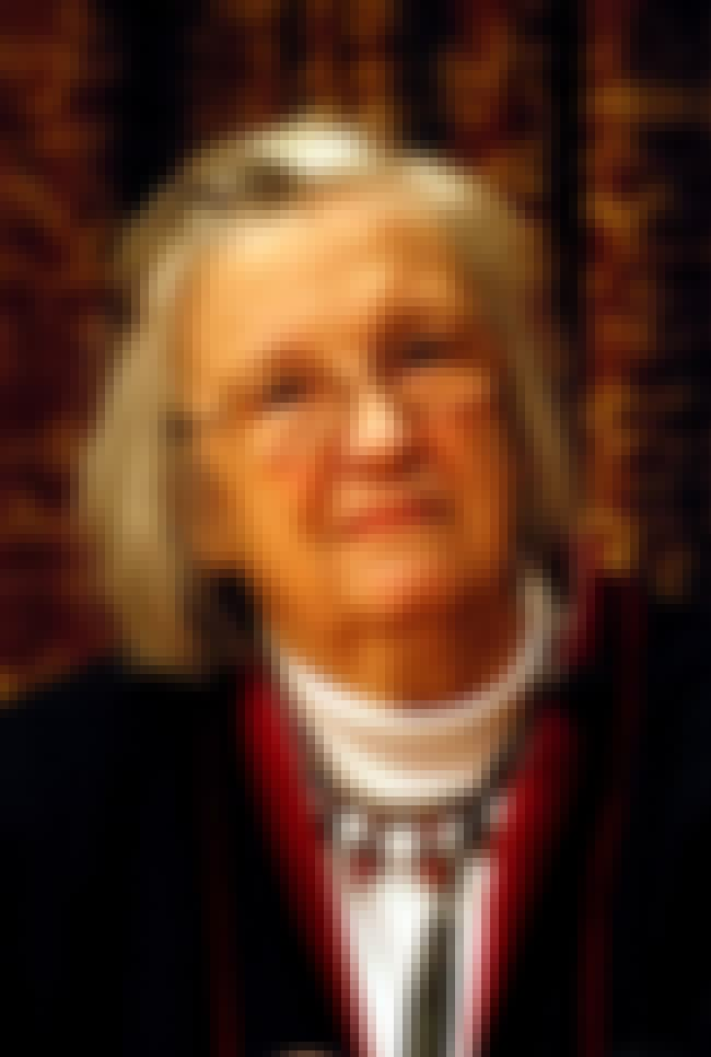 Elinor Ostrom is listed (or ranked) 4 on the list Famous Female Political Scientists