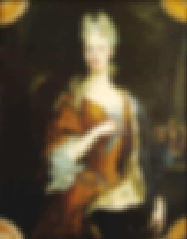 Elisabeth Farnese is listed (or ranked) 2 on the list Members of the House Of Farnese