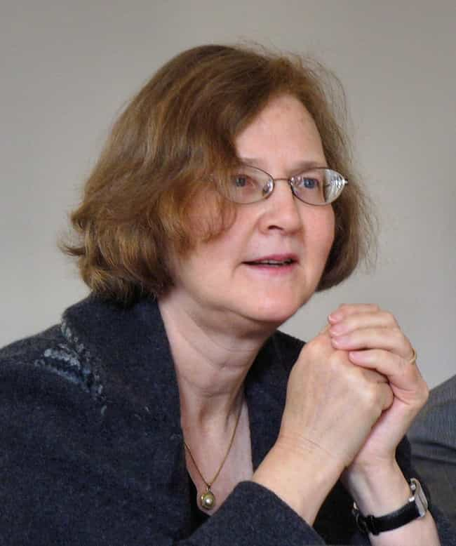 Elizabeth Blackburn is listed (or ranked) 4 on the list Famous Female Biologists