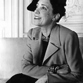 Elsa Schiaparelli is listed (or ranked) 22 on the list Famous People From Rome