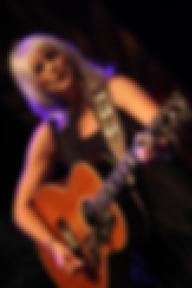 Emmylou Harris is listed (or ranked) 2 on the list List of Famous Bandleaders