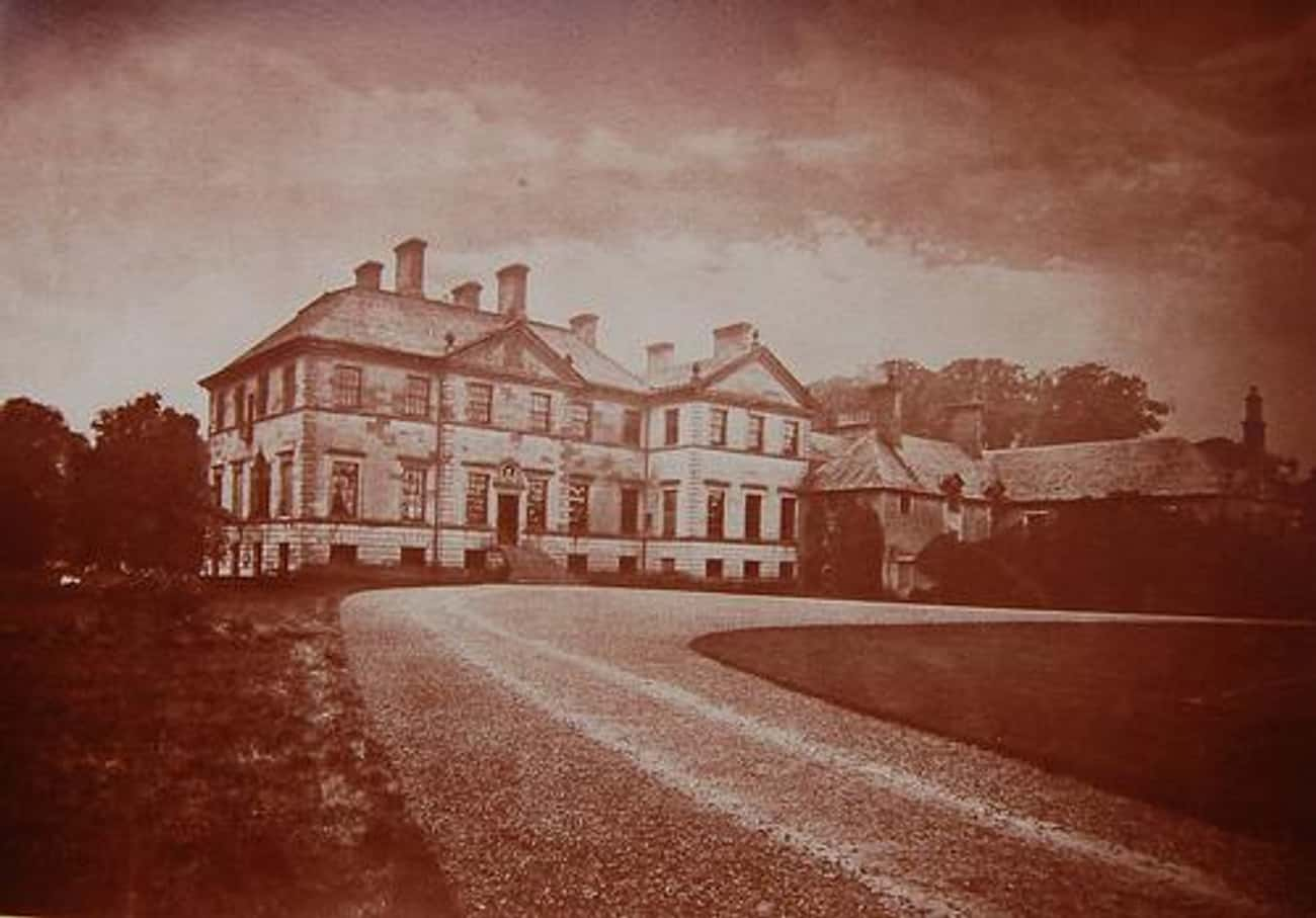 Craigiehall is listed (or ranked) 4 on the list List of Famous Edinburgh Buildings & Structures