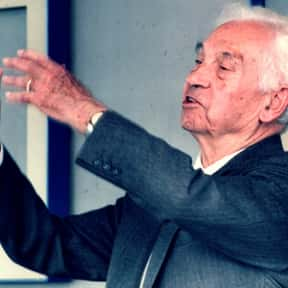 Ernst Mayr is listed (or ranked) 23 on the list List of Famous Biologists