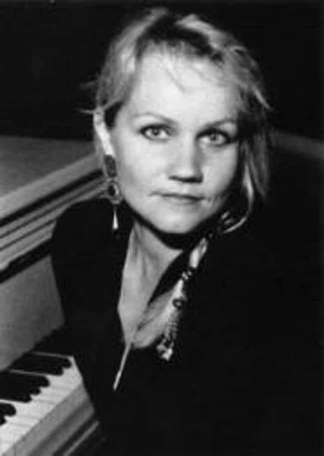 Eva Cassidy is listed (or ranked) 3 on the list Famous Bowie High School Alumni