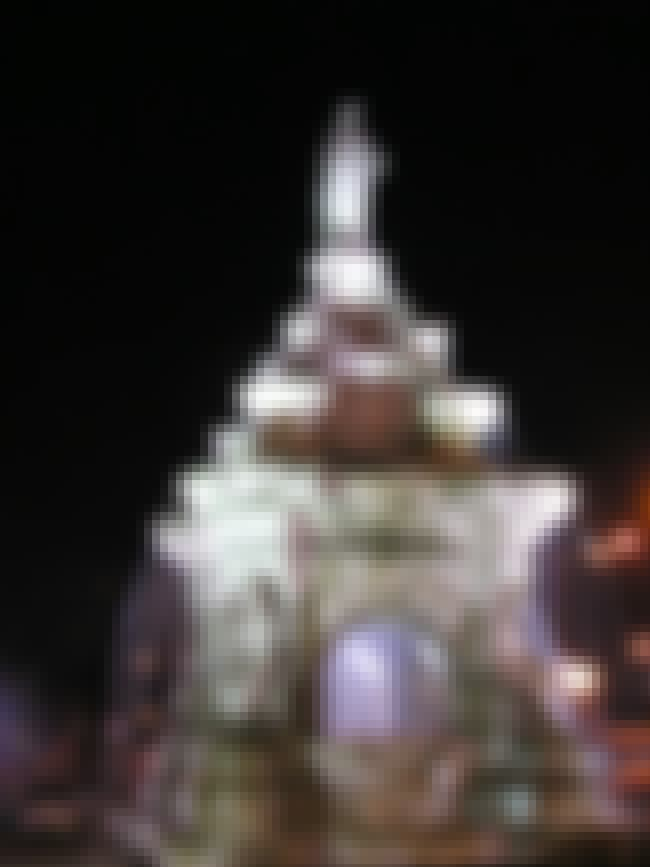 Flora Fountain is listed (or ranked) 8 on the list List of Famous Mumbai Buildings & Structures