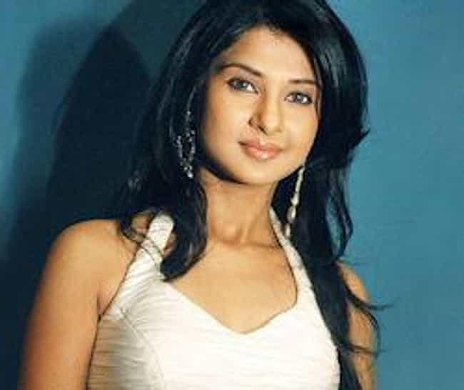 Jennifer Winget is listed (or ranked) 2 on the list Kahin To Hoga Cast List