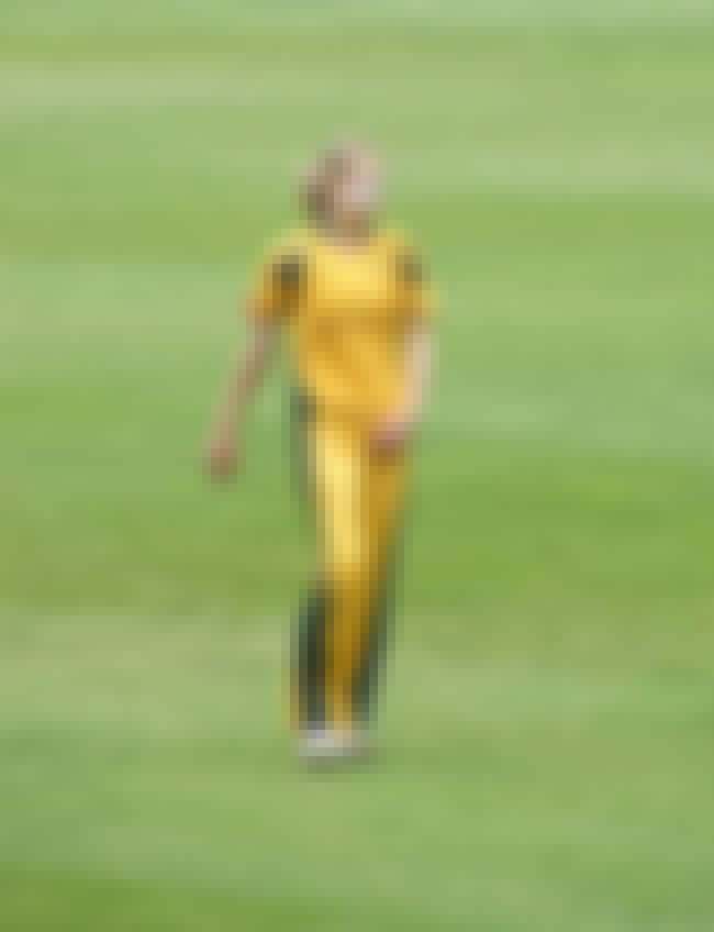 Ellyse Perry is listed (or ranked) 1 on the list Famous Female Cricketers