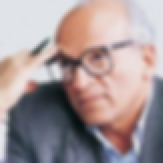 Gamal Al-Ghitani is listed (or ranked) 4 on the list Famous Novelists from Egypt