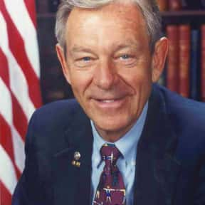 George Voinovich is listed (or ranked) 14 on the list Famous Ohio University Alumni