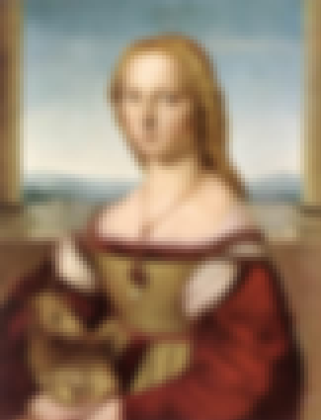Giulia Farnese is listed (or ranked) 4 on the list Members of the House Of Farnese