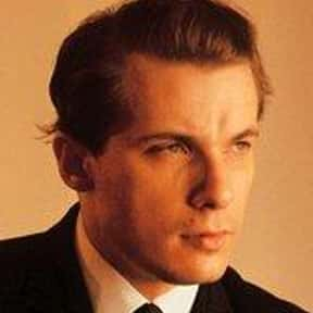 Glenn Gould is listed (or ranked) 13 on the list Famous People Named Glen or Glenn
