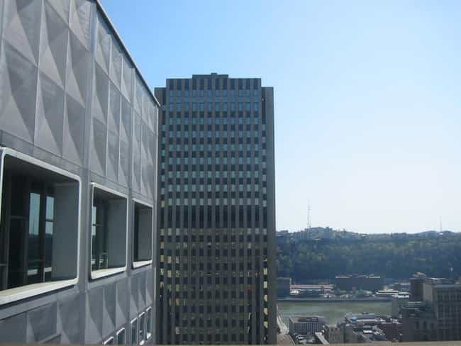 525 William Penn Place ... is listed (or ranked) 2 on the list List of Famous Pittsburgh Buildings & Structures