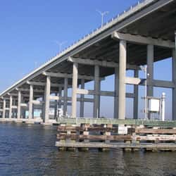 Alma Lee Loy Bridge