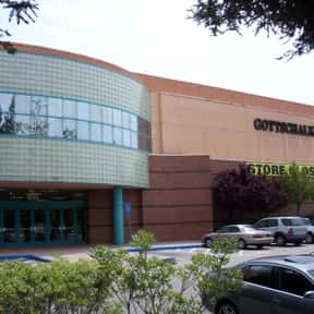 Gottschalks is listed (or ranked) 5 on the list List of Department Stores Companies