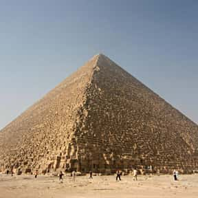 Great Pyramid of Giza is listed (or ranked) 3 on the list Historical Landmarks to See Before You Die
