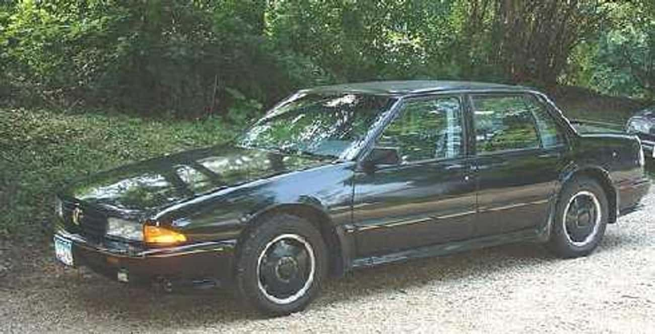 1989 Pontiac Bonneville is listed (or ranked) 4 on the list List of 1989 Pontiacs