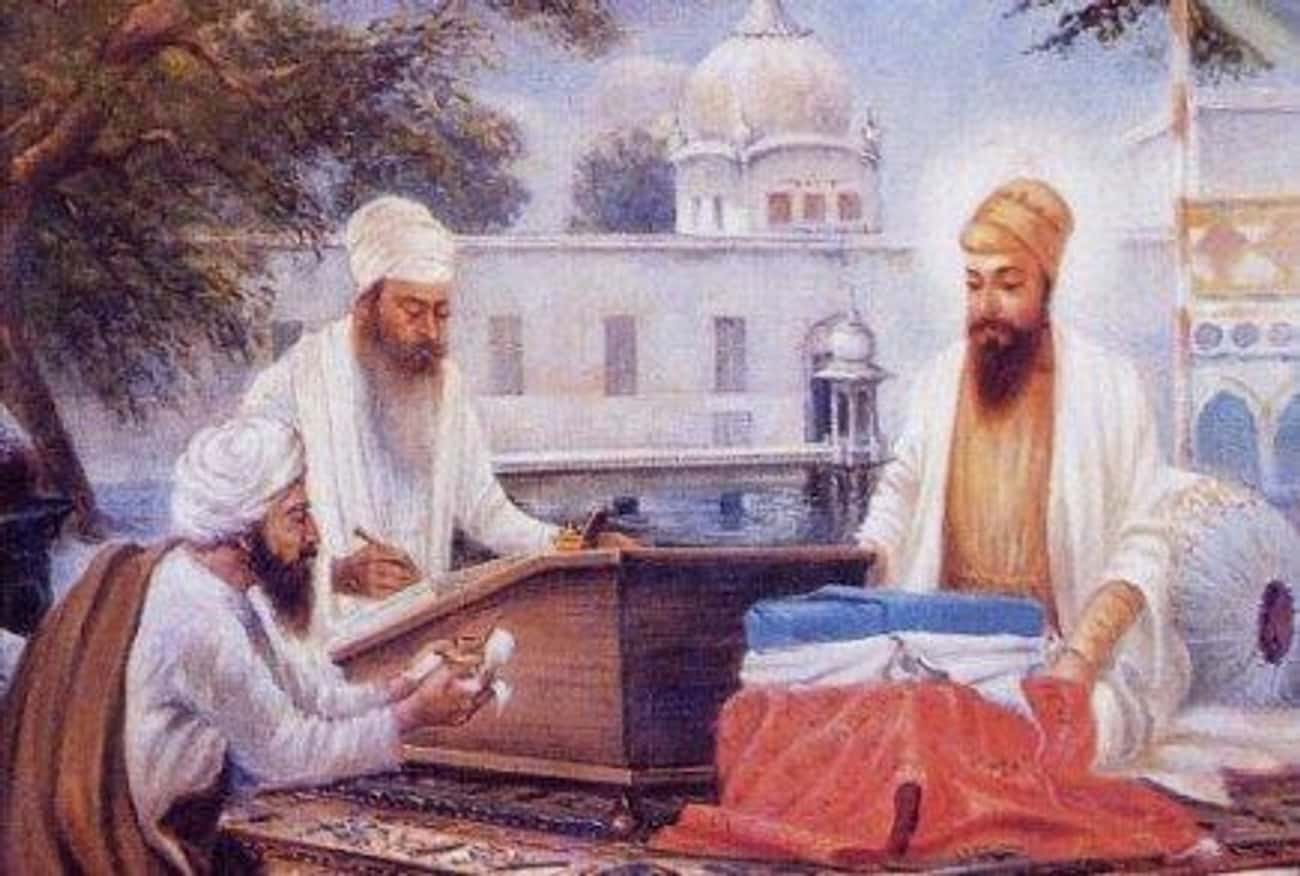 Guru Arjan is listed (or ranked) 2 on the list List of Famous Gurus
