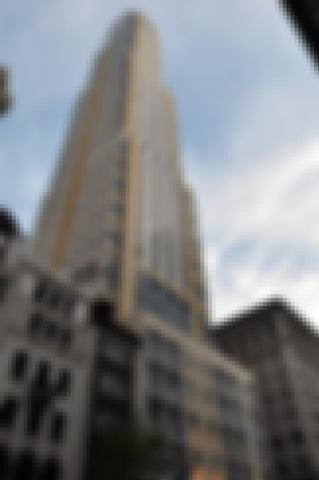 425 Fifth Avenue is listed (or ranked) 1 on the list List of Michael Graves Architecture