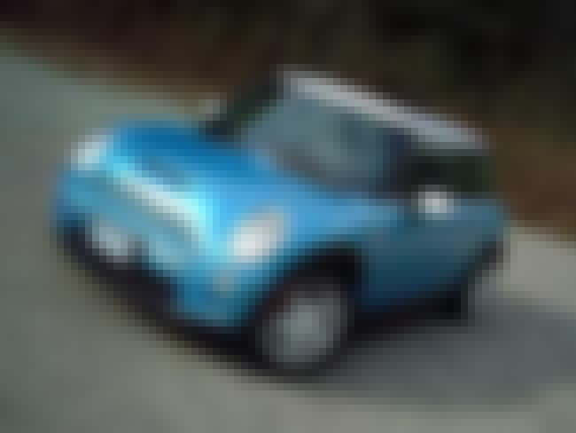 2003 MINI Cooper Hatchback is listed (or ranked) 2 on the list List of Popular MINI Coopers