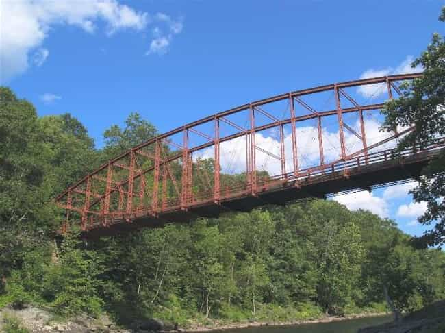 Bardwell's Ferry Bridge is listed (or ranked) 4 on the list Bridges in Massachusetts