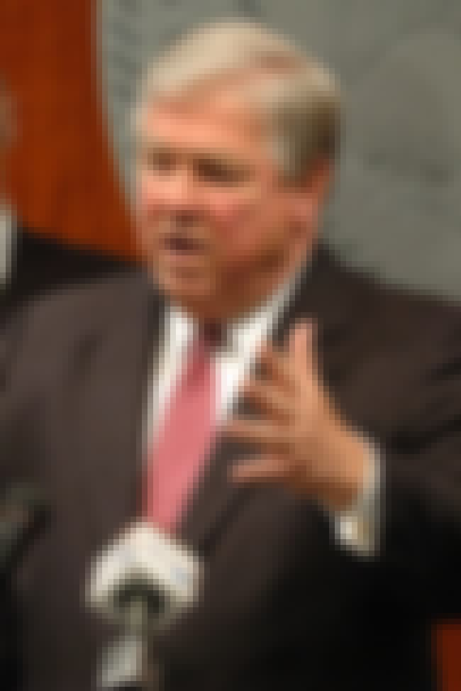 Haley Barbour is listed (or ranked) 3 on the list Famous University Of Mississippi School Of Law Alumni