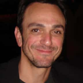 Hank Azaria is listed (or ranked) 16 on the list Famous Tufts University Alumni