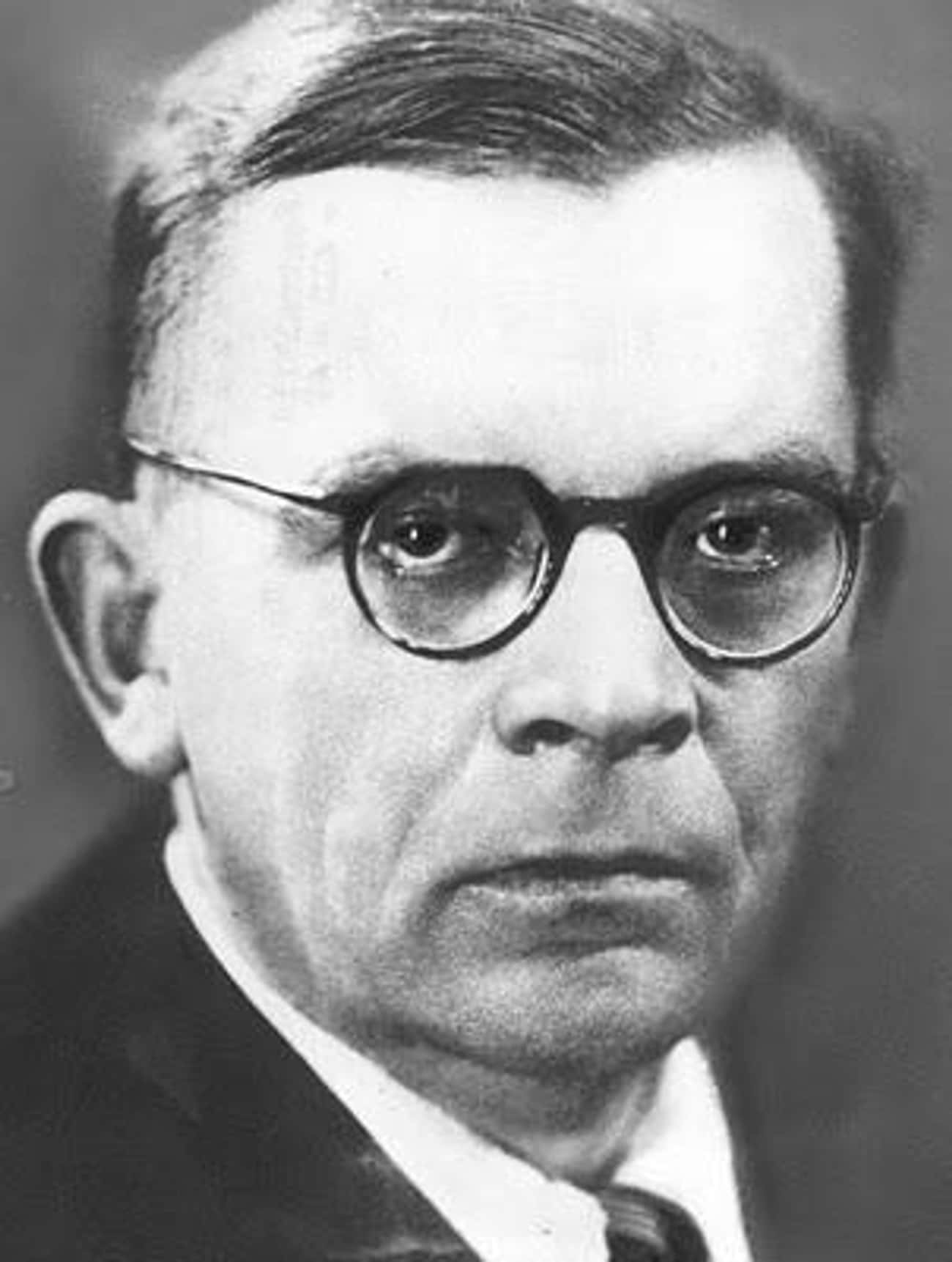 Hans Fallada is listed (or ranked) 3 on the list Writers Who Killed People